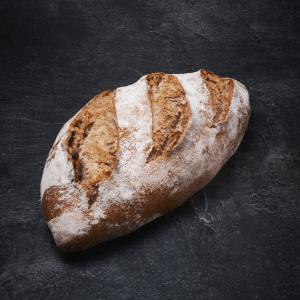 לחם אגוזים אובלי